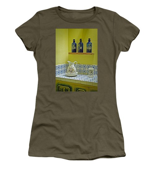 Vintage Bathroom Women's T-Shirt (Athletic Fit)