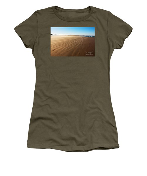 Walking On Windy Beach. Women's T-Shirt (Athletic Fit)