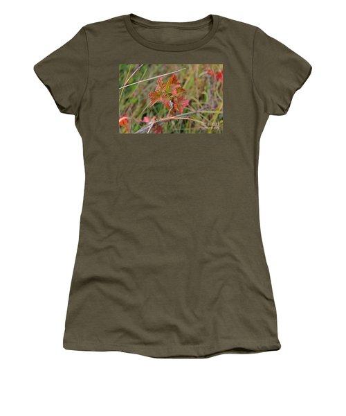 Wild Gooseberry Leaves Women's T-Shirt