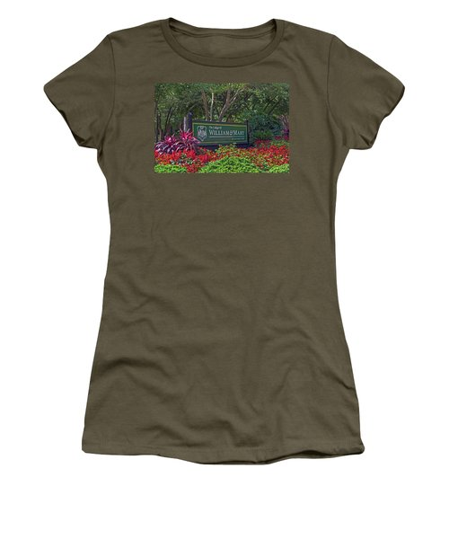 William And Mary Welcome Sign Women's T-Shirt