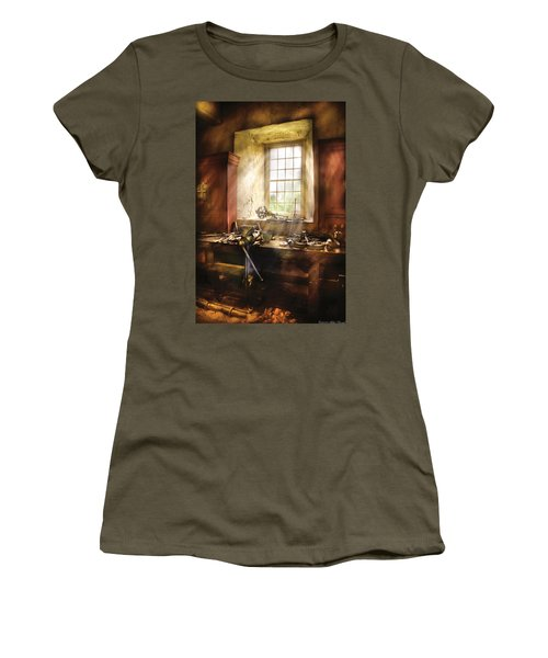 Woodworker - Many Old Tools Women's T-Shirt
