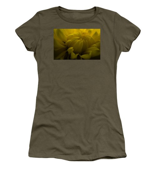 Yellow Mum Women's T-Shirt