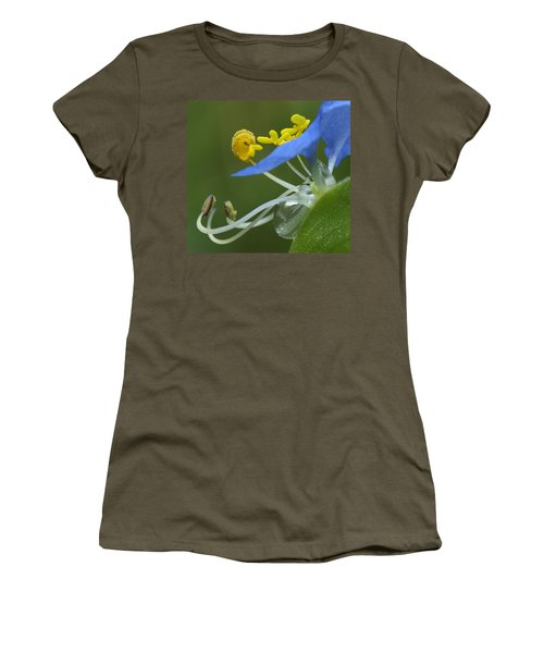 Close View Of Slender Dayflower Flower With Dew Women's T-Shirt