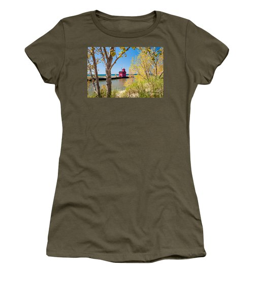 Holland Mi Lighthouse Women's T-Shirt (Athletic Fit)