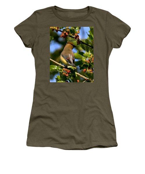Cedar Waxwing Dsb056 Women's T-Shirt (Junior Cut) by Gerry Gantt