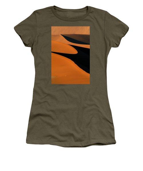 Curves Women's T-Shirt