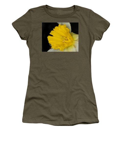 Daffodil On Black Women's T-Shirt