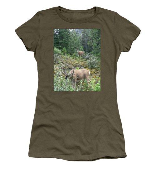 Elegant Elk Women's T-Shirt