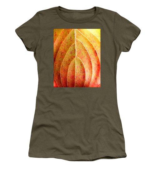 Fall Leaf Upclose Women's T-Shirt