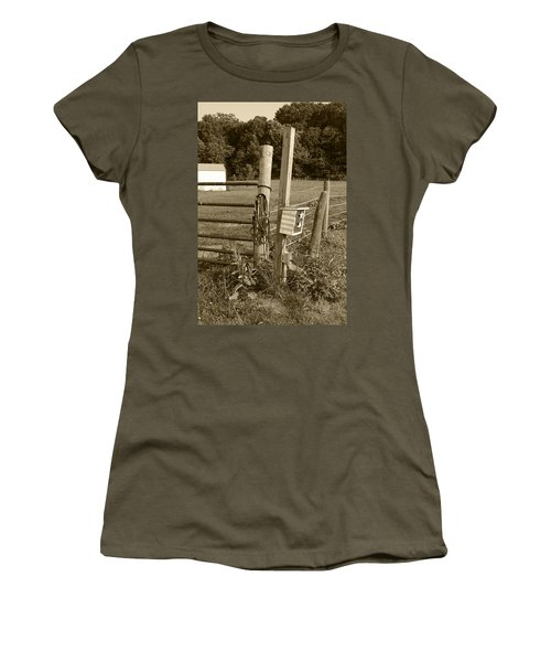 Fence Post Women's T-Shirt