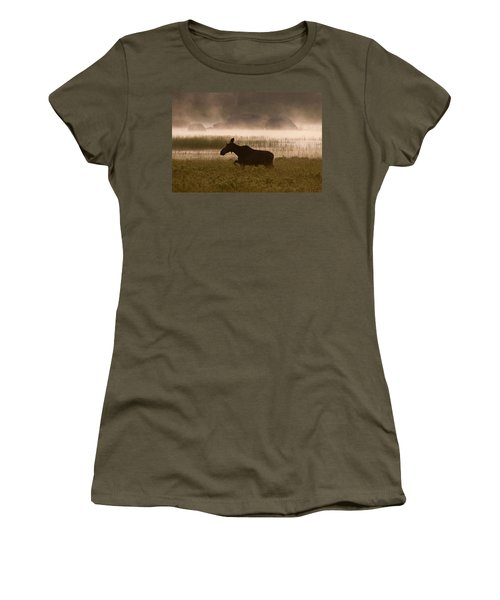 Foggy Stroll Women's T-Shirt (Athletic Fit)