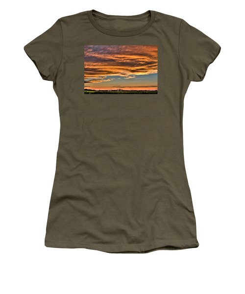 High Pressure Dominating Women's T-Shirt (Athletic Fit)