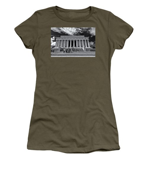 Lincoln Memorial In Black And White Women's T-Shirt