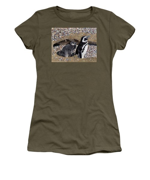Looking Out For You - Penguins Women's T-Shirt (Athletic Fit)