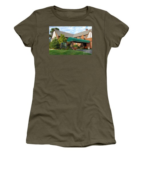St Clair Inn Entrance Women's T-Shirt (Athletic Fit)