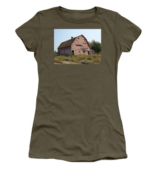 Women's T-Shirt (Junior Cut) featuring the photograph The Hole Barn by Bonfire Photography