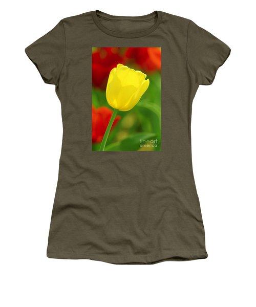 Tulipan Amarillo Women's T-Shirt