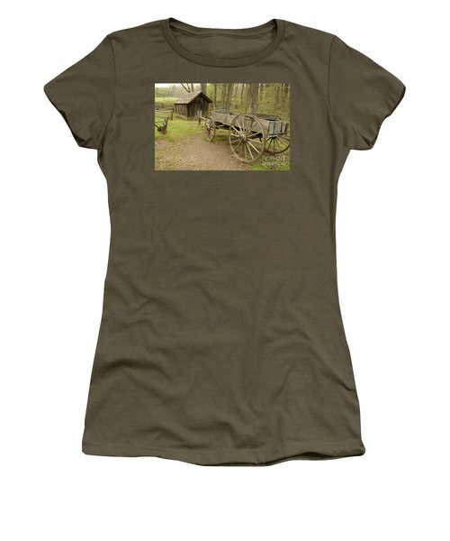 Wooden Wagon Women's T-Shirt (Athletic Fit)