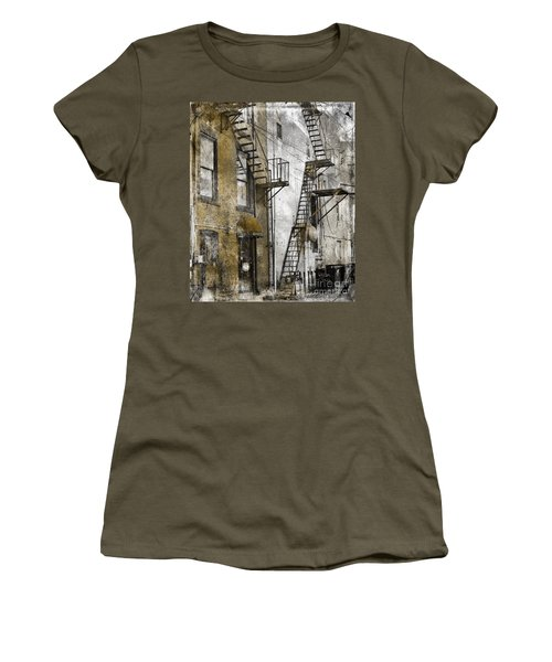 Alleyway In Portland, Me Women's T-Shirt