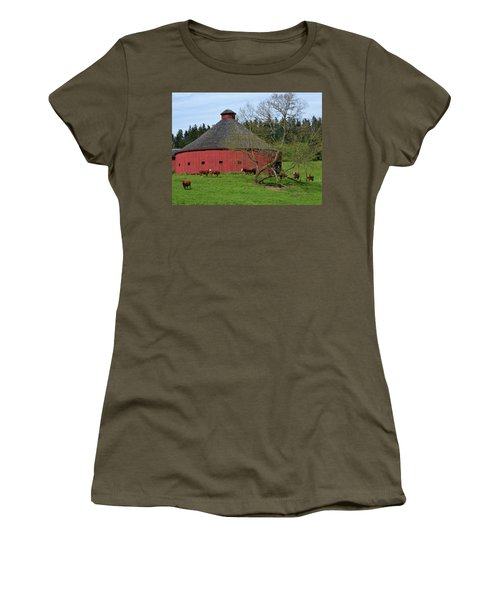 Round Red Barn Women's T-Shirt (Athletic Fit)