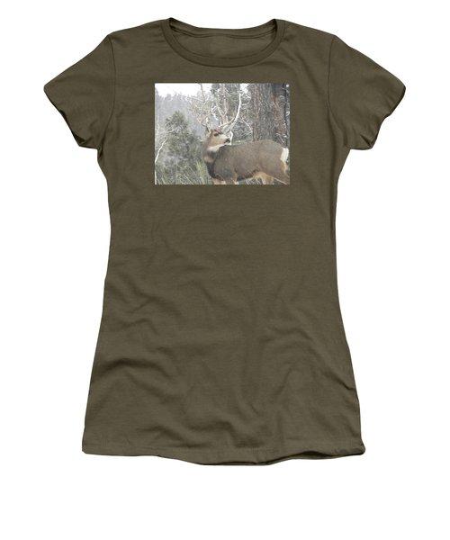 Buck Front Yard Divide Co Women's T-Shirt