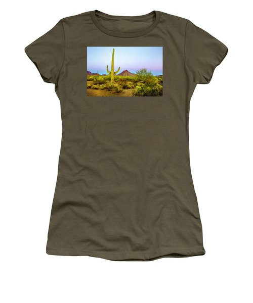 Desert Beauty Women's T-Shirt (Athletic Fit)