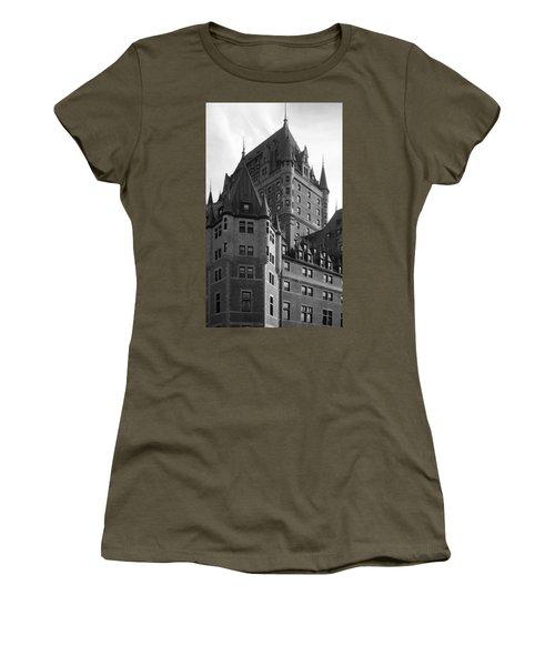 Le Chateau Women's T-Shirt