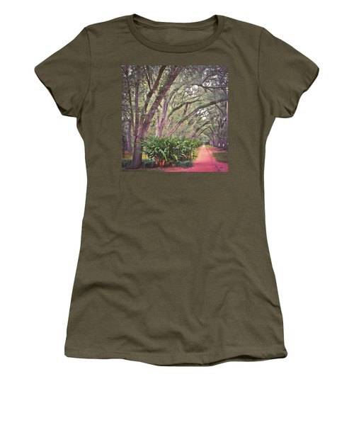 Love The #liveoak #trees And This Women's T-Shirt