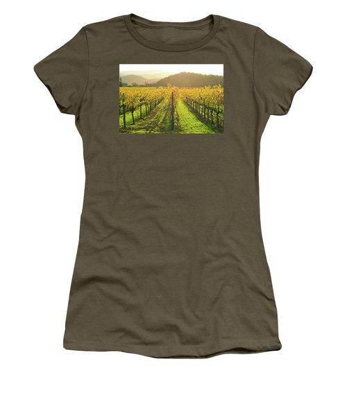 Napa Valley California Vineyard In The Fall Women's T-Shirt