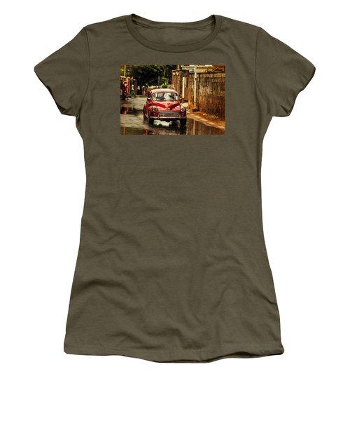 Red Retromobile. Morris Minor Women's T-Shirt