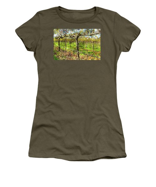Rows Of Grapevines In Napa Valley Caliofnia Women's T-Shirt