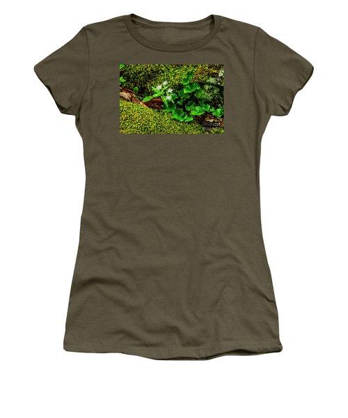 Star Chickweed Mossy Rock Women's T-Shirt