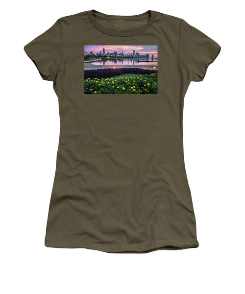 summer flowers and Chicago skyline Women's T-Shirt