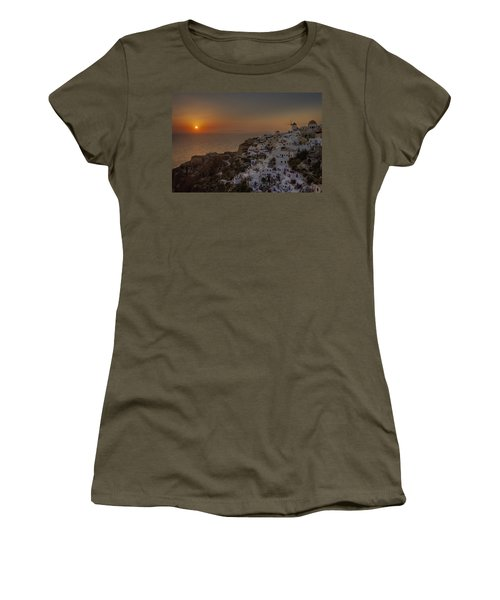 Oia - Santorini Women's T-Shirt (Athletic Fit)