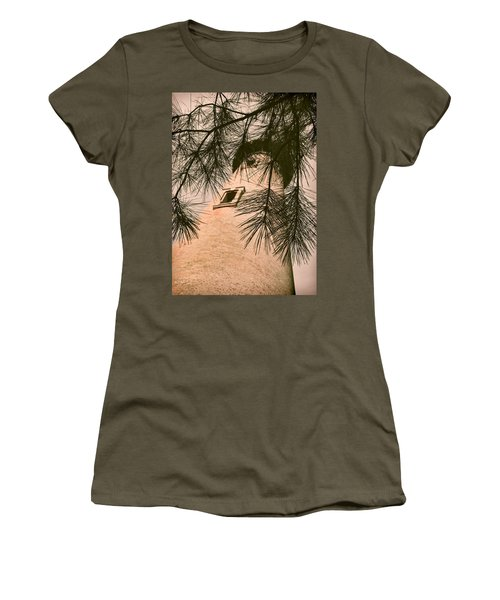 Island Lighthouse Women's T-Shirt (Athletic Fit)