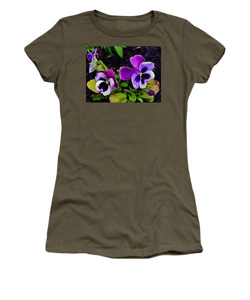 2015 Spring At Olbrich Gardens Violet Pansies Women's T-Shirt