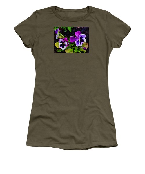 2015 Spring At Olbrich Gardens Violet Pansies Women's T-Shirt
