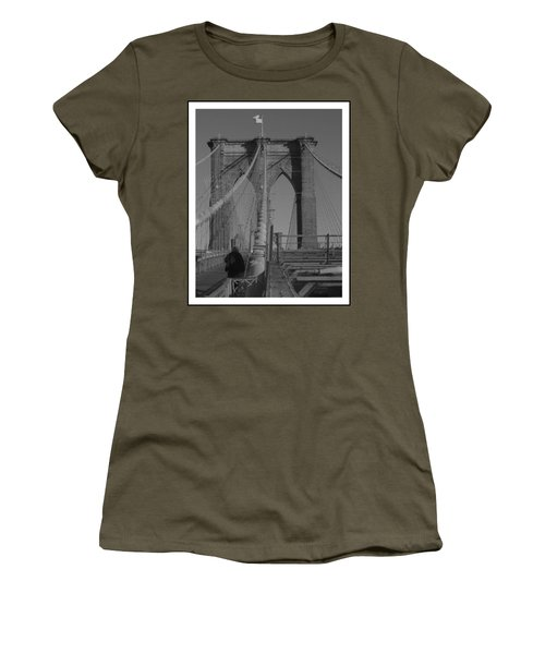 Brooklyn Bridge Women's T-Shirt