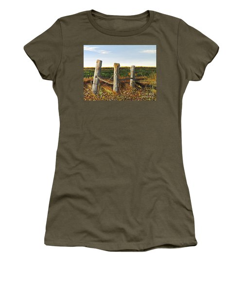 3 Old Posts Women's T-Shirt