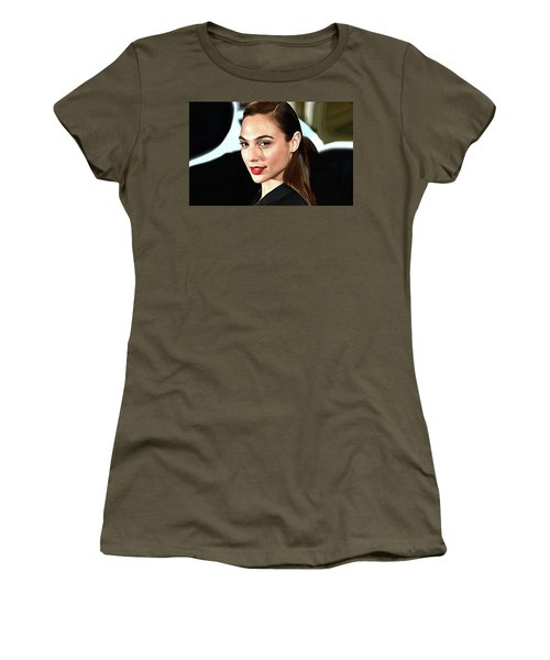 Gal Gadot Print Women's T-Shirt (Athletic Fit)