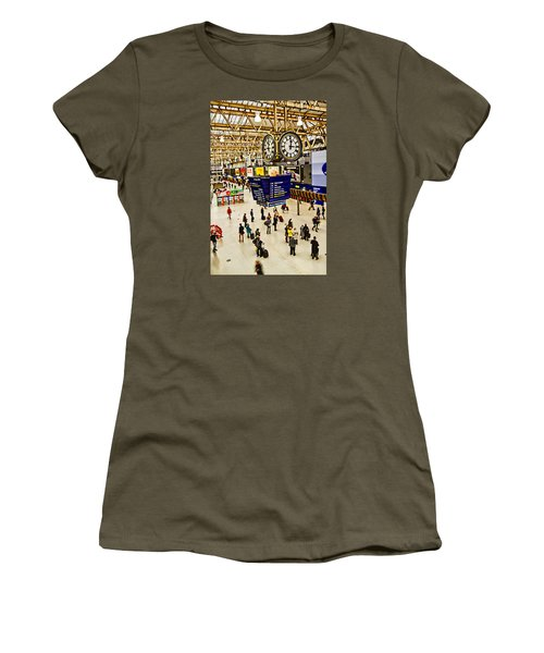 London Waterloo Station Women's T-Shirt (Athletic Fit)
