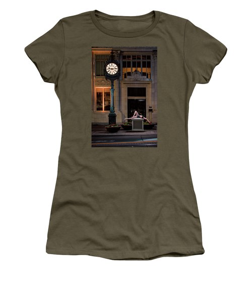 915 Women's T-Shirt (Athletic Fit)