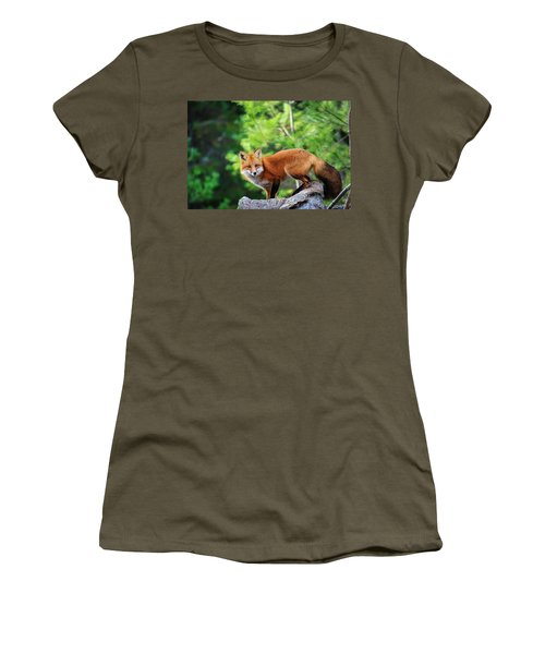 A Cunning Hunter Women's T-Shirt (Athletic Fit)