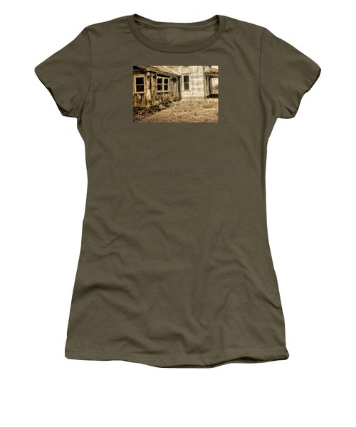 Abandoned House 3 Women's T-Shirt (Athletic Fit)