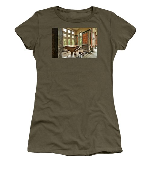 Abandoned Piano - Urban Exploration Women's T-Shirt (Athletic Fit)