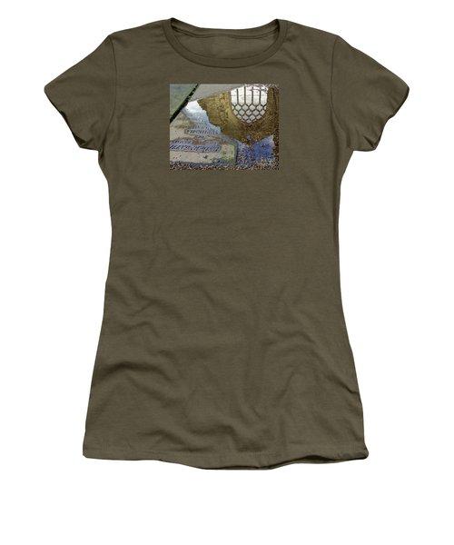 Abbey Ruins - Edinburgh Women's T-Shirt (Athletic Fit)