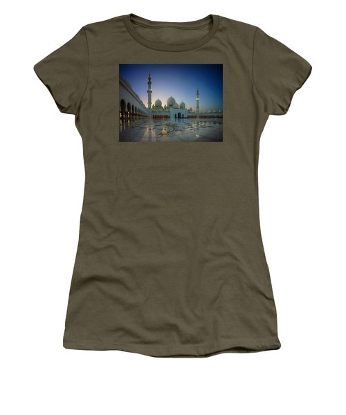 Abu Dhabi Grand Mosque Women's T-Shirt