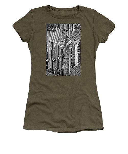 Acorn Street Details Bw Women's T-Shirt (Athletic Fit)