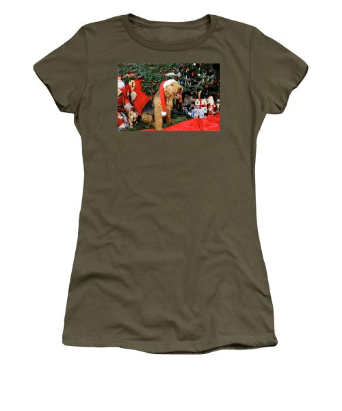 Airedale Terrier Dressed As Santa-claus Women's T-Shirt (Athletic Fit)