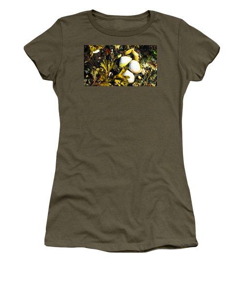 Alaska Clams Women's T-Shirt (Athletic Fit)